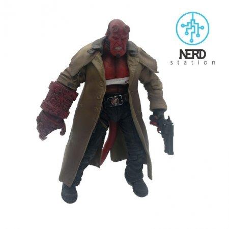 اكشن فيگور پسر جهنمى – Hell Boy – برند Mezco Toys