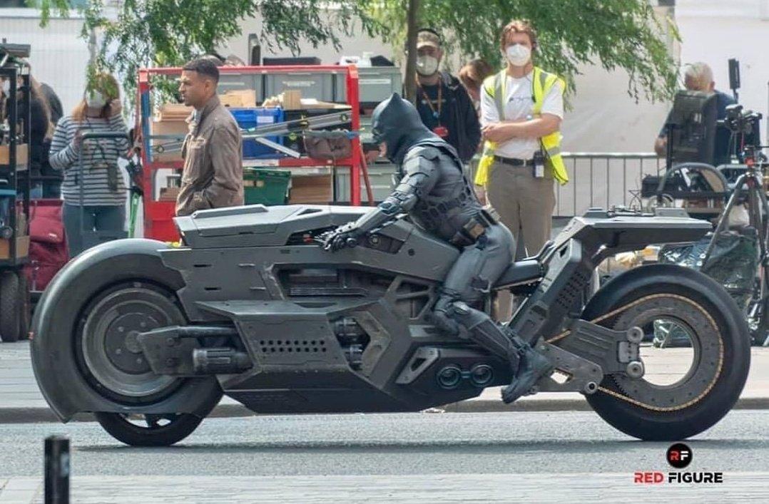 حضور موتور بتمن در فیلم The Flash